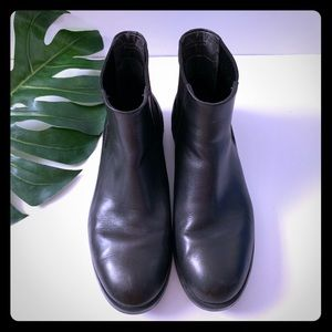 Black Camper Chelsea Boots - Size 38